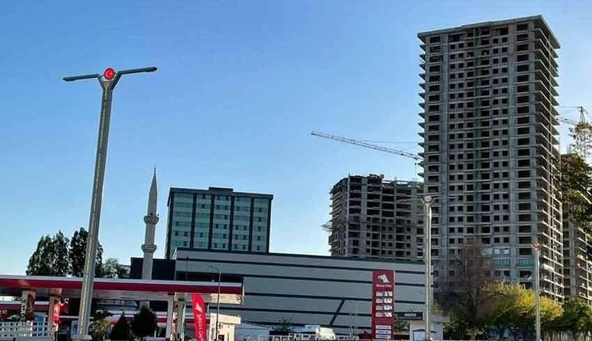 AKP ve MHP'li başkanlar deprem bölgesine 26 katlı bina dikti