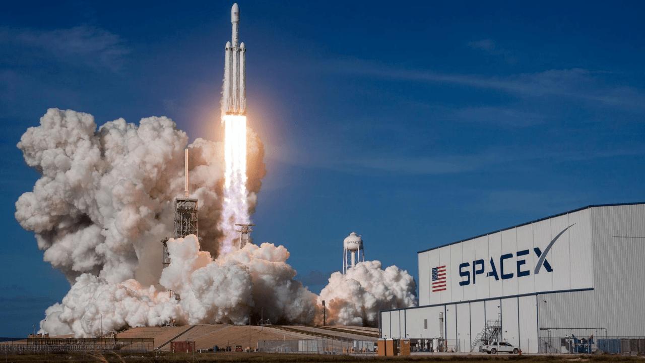 Amazon, SpaceX'i kurallara uymamakla suçladı