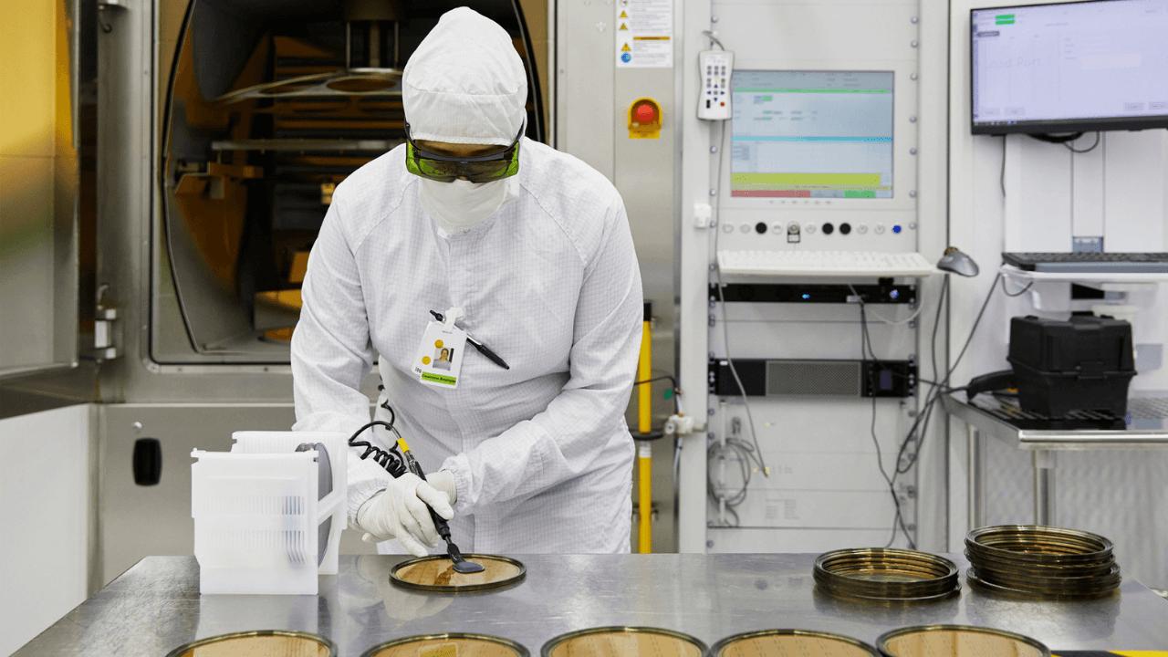 Apple, lazer teknolojilerine odaklanan II-VI firmasına 410 milyon dolar yatırım yaptı