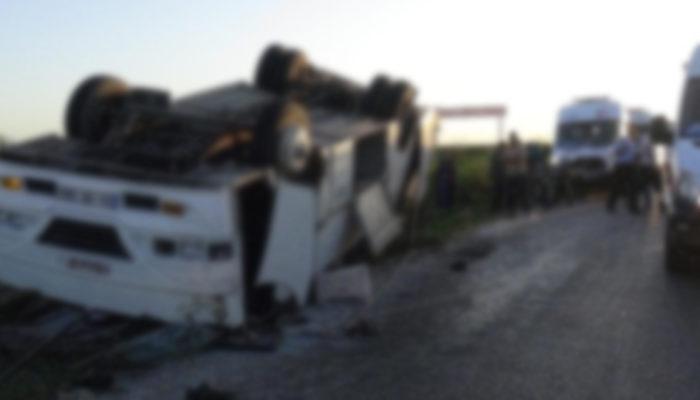Bitlis'te polislerin midibüsü devrildi: 13 yaralı