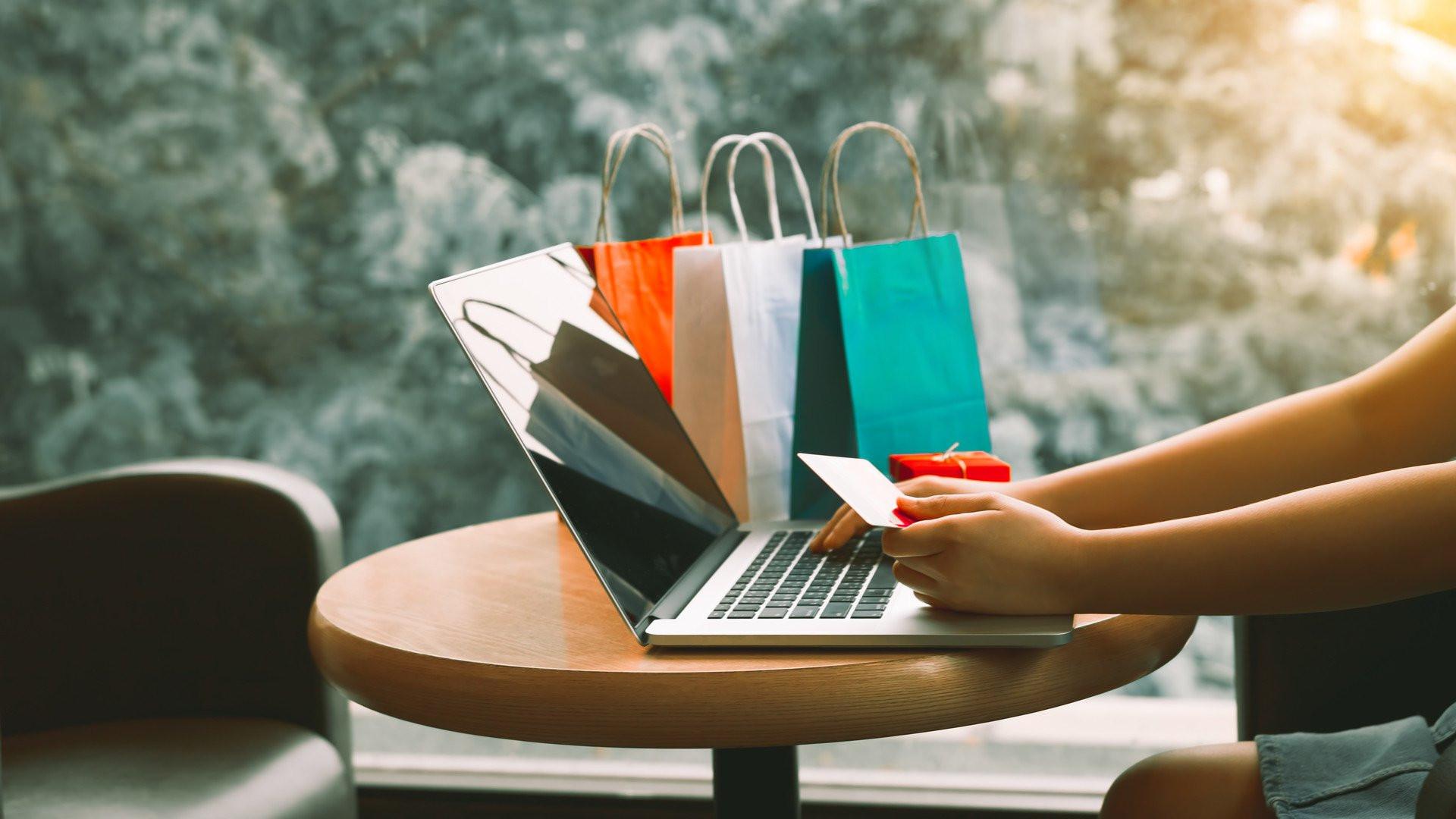 Bu yıl 200 milyar lira olması beklenen e-ticaret pazarının 30 milyar lirası Kasım'dan