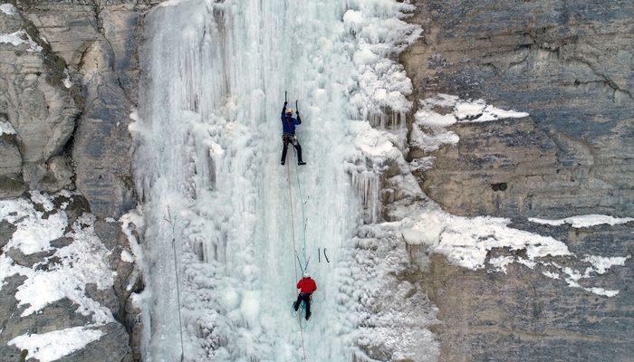 Buz Tırmanış Festivali'nde renkli görüntüler
