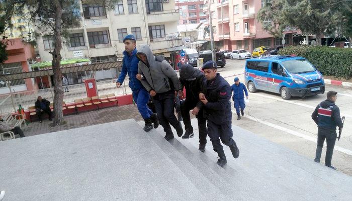 Camiden anons yapıldı, mahalleli şehit babasını dolandıranları yakaladı