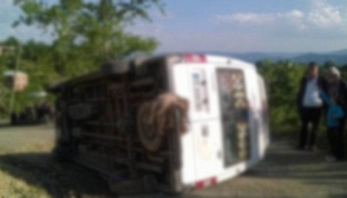 Çermik'te öğrenci servisi şarampole yuvarlandı: 12 yaralı