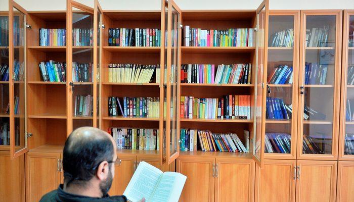 Cezaevinde çok kitap okuyan tutuklu ve hükümlüye ödül