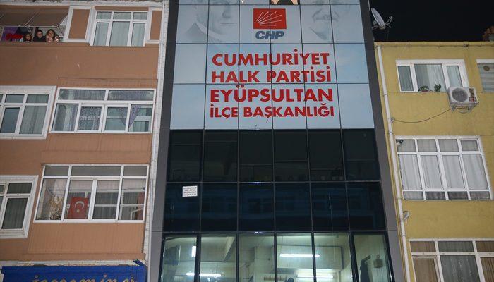 CHP Eyüp İlçe Teşkilatı binasında saldırı! Yaralılar var
