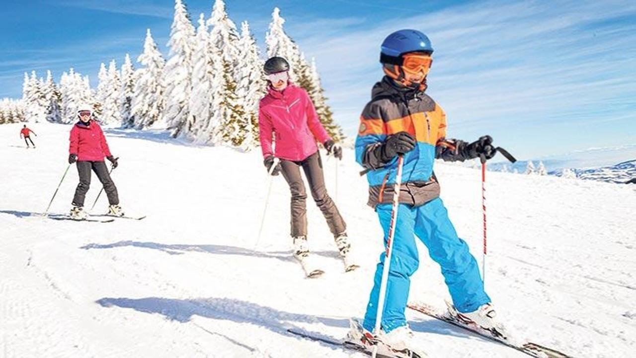 Corona virüse rağmen kayak merkezleri yüzde yüz doldu!