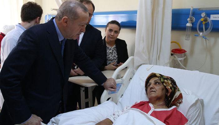 Cumhurbaşkanı Erdoğan, Kartal'da çöken binadan kurtulan yaralıları ziyaret etti