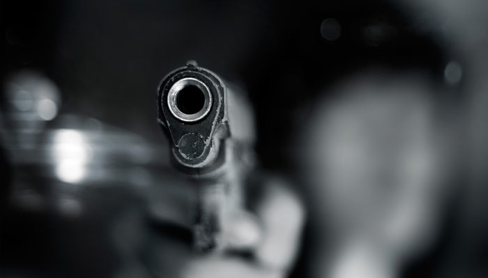 Dehşetin böylesi! 18 yaşındaki kızını uyurken vurdu
