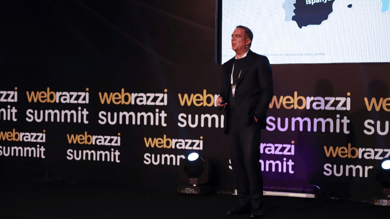 Dijital sanatçılar Süleyman Yılmaz ve Hakan Yılmaz ile NFT pazar yerleri ve dijital sanat yayın platformu
