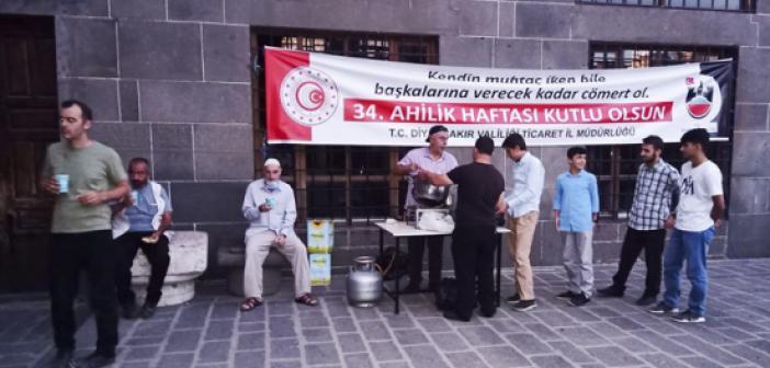 Diyarbakır Ulu Camii'nde 'Ahi Çorbası' İkramı