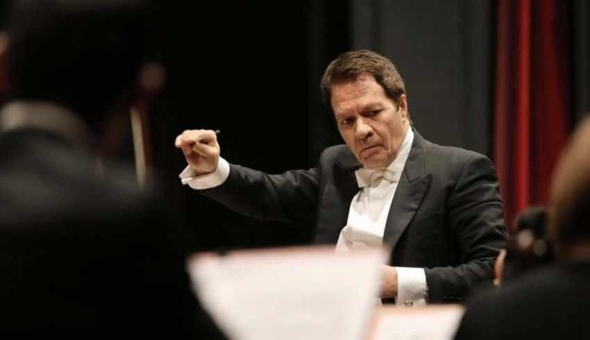 Dünya ünlü opera sanatçısı Emin Güven Yaşlıçam'a cinsel taciz suçlaması!
