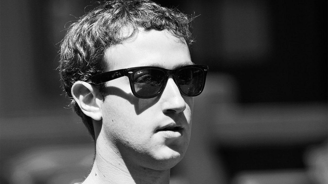Facebook CEO'su, Ray-Ban akıllı gözlükler hakkında konuştu