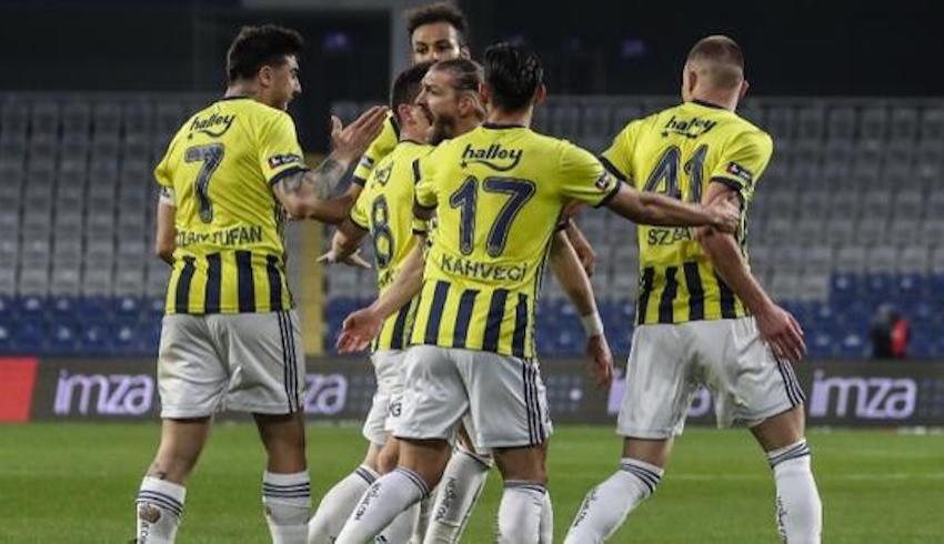 Fenerbahçe'de 13 futbolcu yolcu