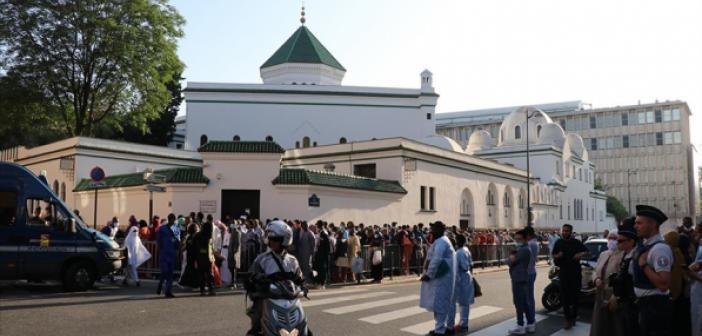 Fransa İddialara Dayanarak Bir Cami Daha Kapatıyor