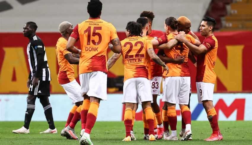 Galatasaray, lider Beşiktaş'ı 3-1 devirdi!