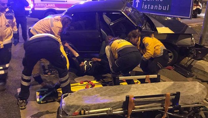 Gece yarısı korkunç kaza: Yaralılar var
