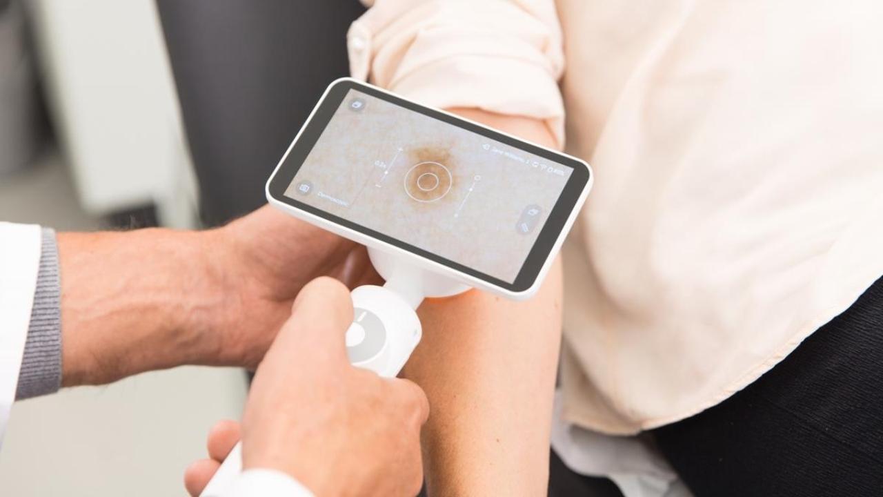 Google'dan cilt hastalıklarına yapay zeka çözümü! Google, yapay zeka destekli dermatoloji uygulaması geliştirdiğini açıkladı. Derm Assist, saç, tırnak...