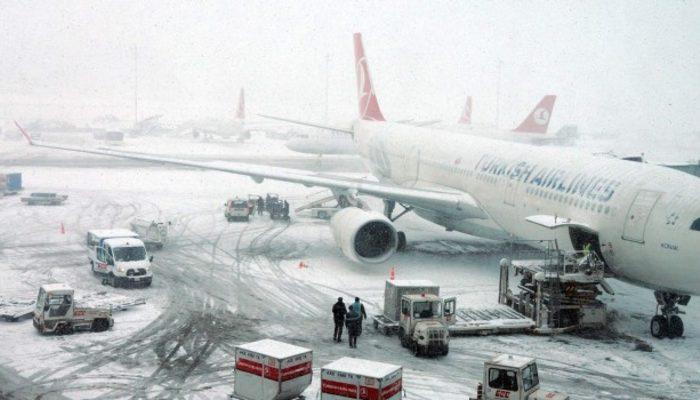 Hava trafiğine kar engeli! İptal edilen seferler var!