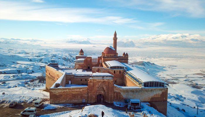 İshak Paşa Sarayı ihtişamıyla hayran bırakıyor