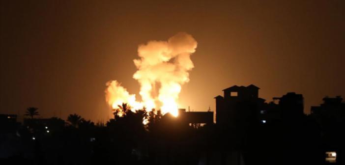 İsrail Uçakları Abluka Altındaki Gazze'ye Hava Saldırısı Düzenledi