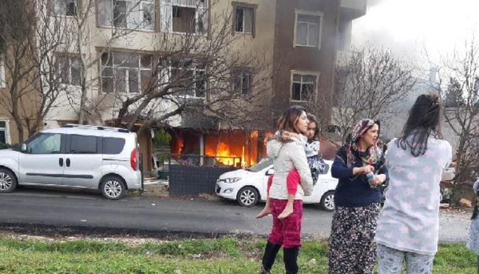 İstanbul Büyükçekmece'deki bir apartmanda patlama! Yaralılar var