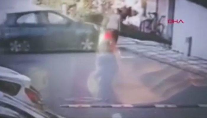 İstanbul'da korkunç kaza! Çarptığı kadınla birlikte bahçeye uçtu