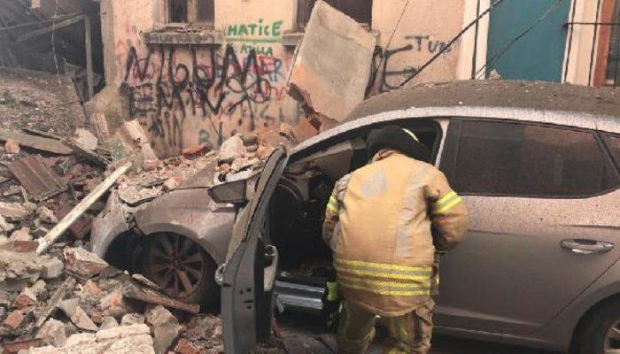 İstanbul Fatih'te bina çöktü! Çok sayıda ekip sevk edildi