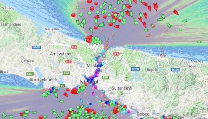 İstanbul sise teslim! Yüzlerce gemi Boğaz'ı geçmek için bekliyor