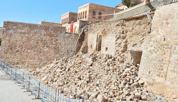 İstinat duvarının altından yüzlerce yıllık tarihi eser çıktı