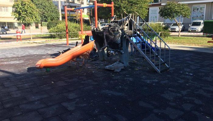 İzmir'de çocuk parkında alevler yükseldi