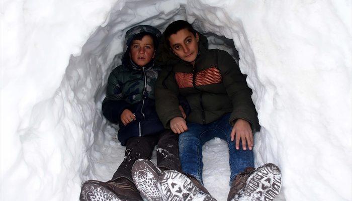 Kardan mağara yaptılar