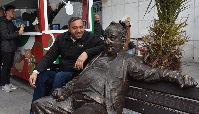 Karşıyaka tribünlerinin simgesiydi! 50 yıldır oturduğu banka heykeli yapıldı