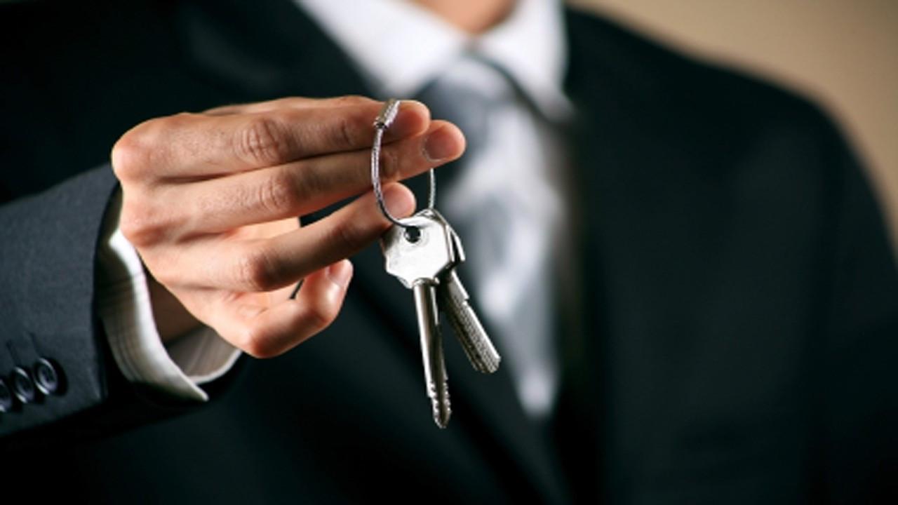 Kiracısının kapı kilidini değiştiren ev sahibi avukata dava!
