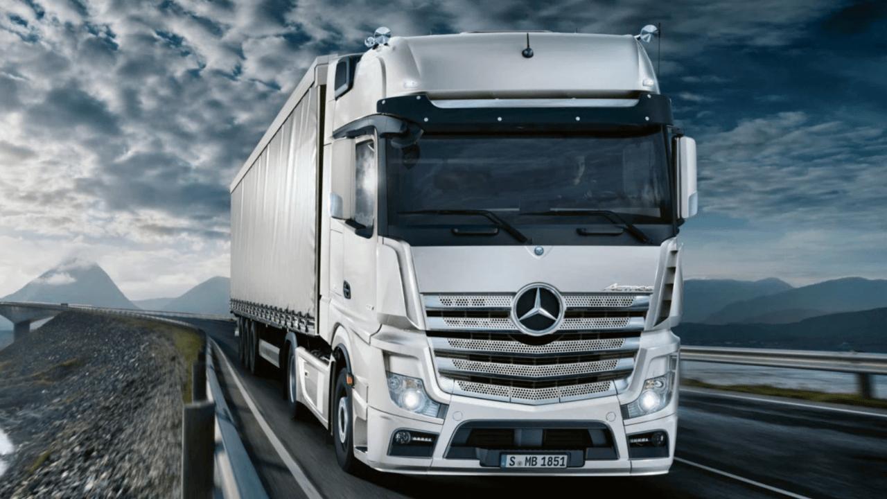 Mercedes-Benz kamyonları benzin ödemelerini otomatik olarak gerçekleştirecek