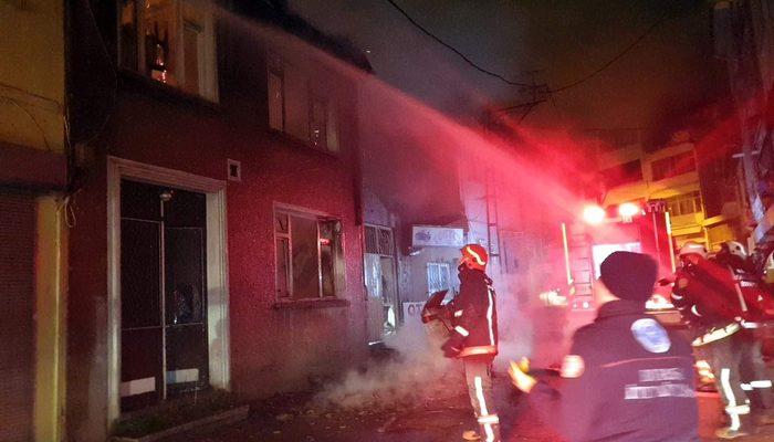 Metruk binada çıkan yangın mahalleliyi sokağa döktü