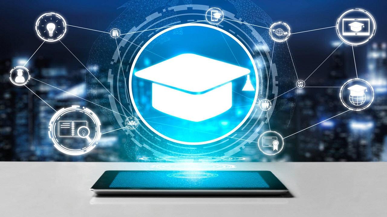 Microsoft hibrit öğrenme için yeni araçlar sunuyor Microsoft yeni bir atılımla salgın sırasında çevrimiçi eğitim ortamında hem öğretmenleri hem de öğrencileri...