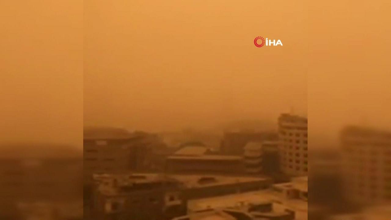 Mısır'da kum fırtınası