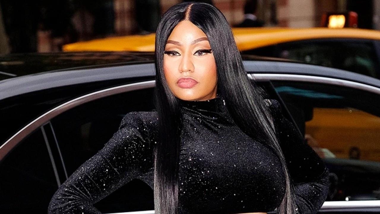 Nicki Minaj acı haberle sarsıldı!