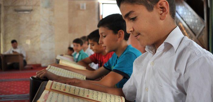 Rahmân Suresi 51. Ayet Meali, Arapça Yazılışı, Anlamı ve Tefsiri