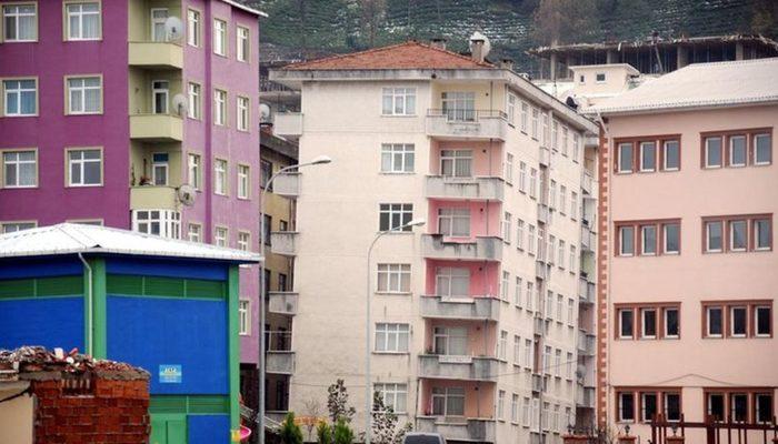 Rize'deki binaları görenler şoke oluyor! 'Korku içinde yaşıyoruz'