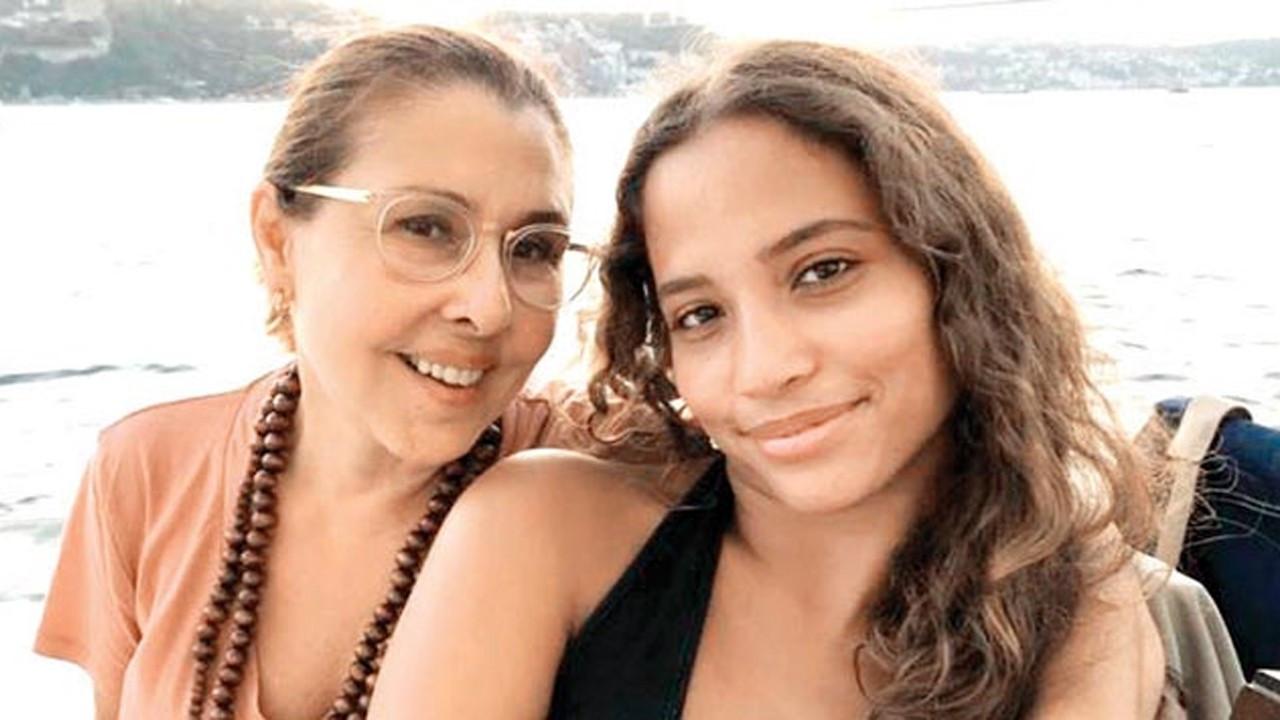 Sanatçı Nilüfer'ın kızı Corona virüse yakalandı
