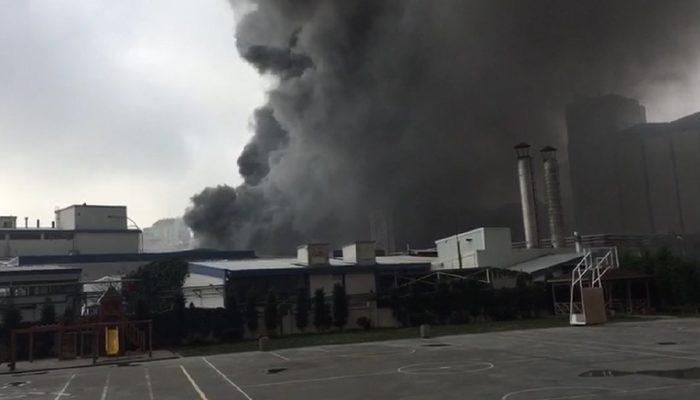 Son dakika! İstanbul Güngören'de alkollü içecek fabrikasında yangın