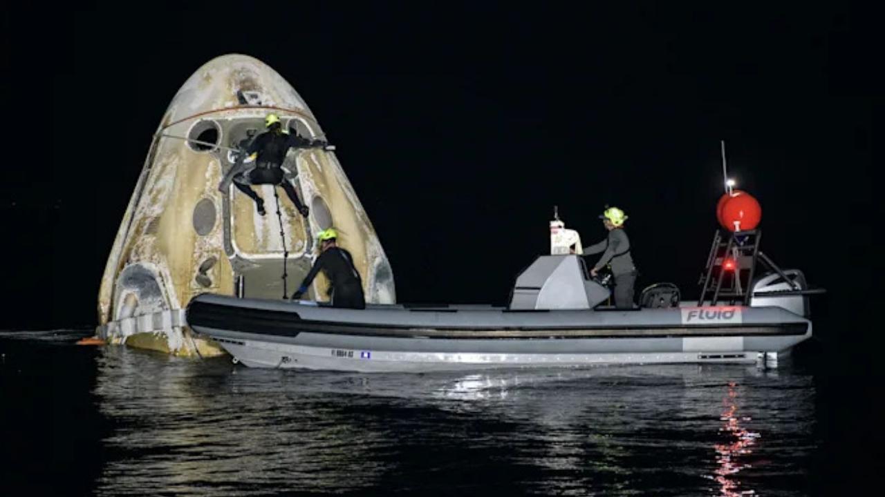 SpaceX, Crew-1 görevi ile yeni bir rekor kırdı SpaceX, Crew-1 görevinde yeni bir rekor kırdı. NASA, Crew-1'in mürettebatlı bir Amerikan uzay aracı ...