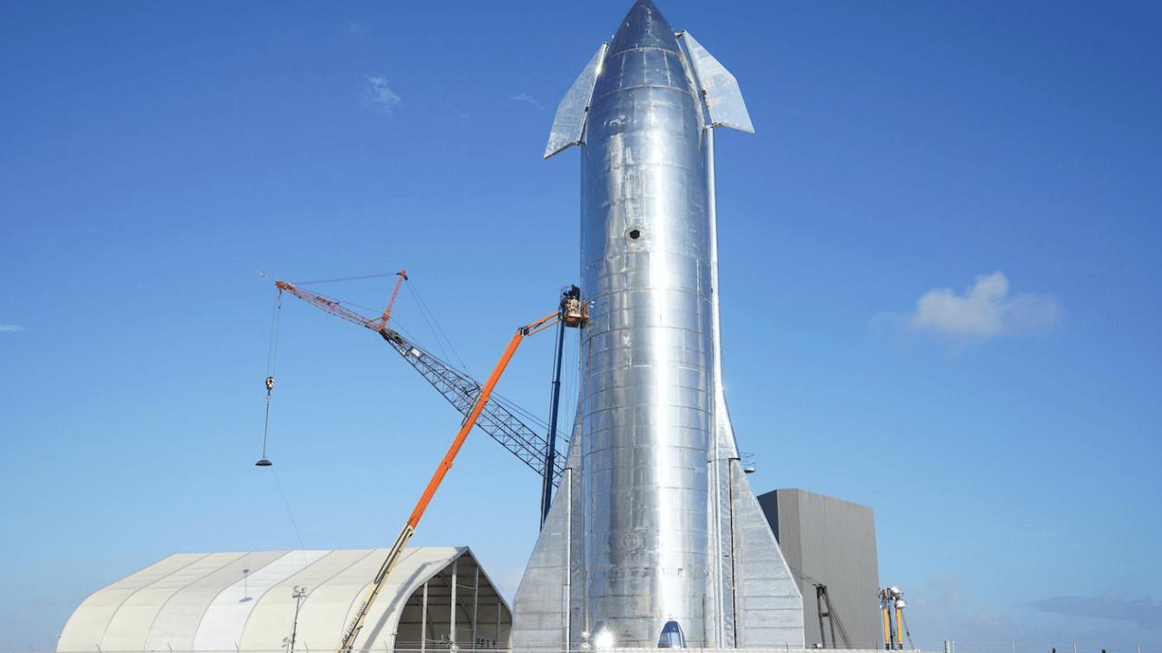 SpaceX'in Starship roket sistemi uzay çöplerinin toplanması için kullanılabilir