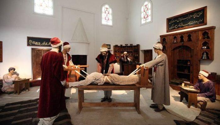 Sultan 2. Bayezid Külliyesi Sağlık Müzesi'ne rekor ziyaretçi