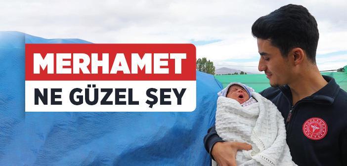 Suriyeli Minik Yusuf'a Ambulansta 'Hayat Dokunuşu' Takdir Topladı