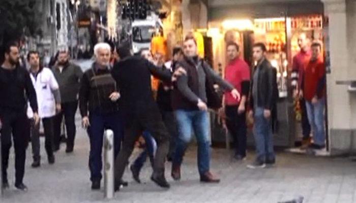 Taksim'de ortalık karıştı! Kavgayı gören turistler ne yapacağını şaşırdı