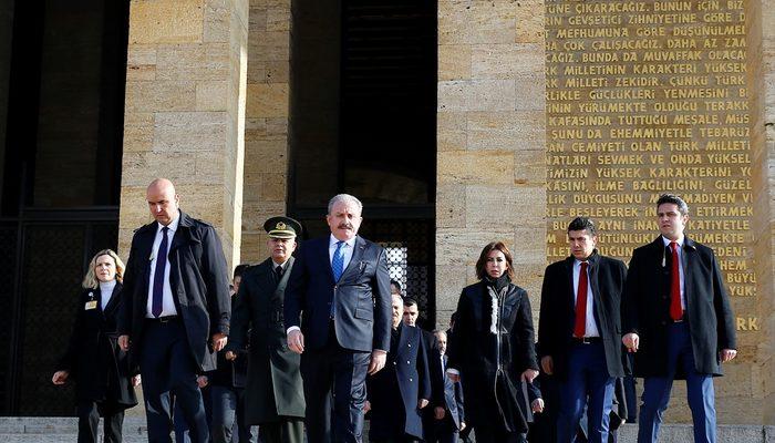 TBMM Başkanı Şentop Anıtkabir'i ziyaret etti