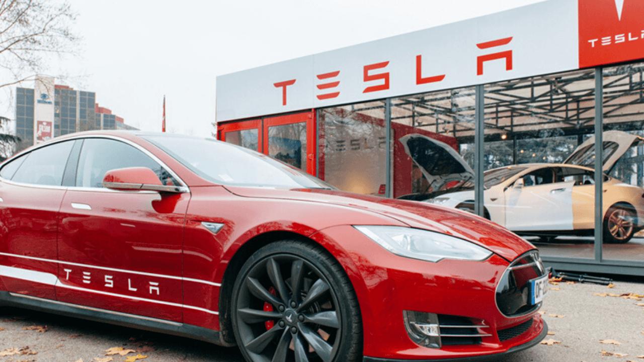 Tesla genel merkezini Teksas'a taşıdığını duyurdu